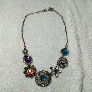 Jewely sparkly necklace